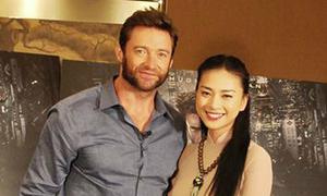 Ngô Thanh Vân diện áo dài e ấp bên Hugh Jackman