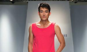 Trung Cương diễn thời trang lưỡng tính của Hà Nhật Tiến