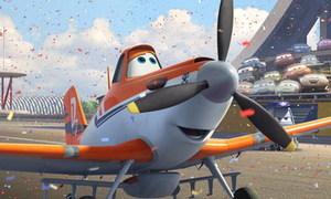 Bay cao cùng giấc mơ với 'Planes'