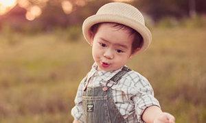 Phong cách sành điệu của con trai Lý Hải