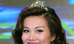 Thanh Hằng tỏa sáng với vương miện công chúa Hà Lan