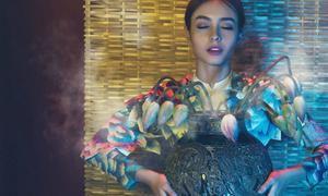 Võ Công Khanh thiết kế áo dài sen đón năm mới