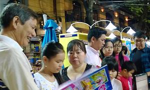 Người Sài Gòn chen chân đi Đường sách