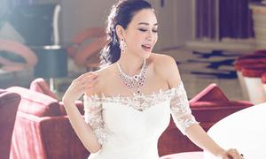 Chung Lệ Đề 44 tuổi đẹp rực rỡ với váy cưới