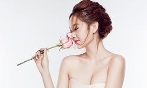 Minh Hằng ngọt ngào, mong manh với váy áo pastel