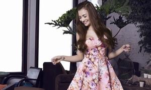 Hồng Quế ngọt ngào với đầm hoa