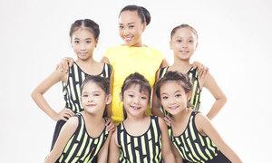 Đoan Trang cùng đội Bước nhảy Hoàn vũ nhí làm MV