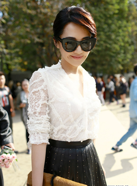 Choi Ji Woo, Hứa Tình mỗi người một vẻ đi xem thời trang