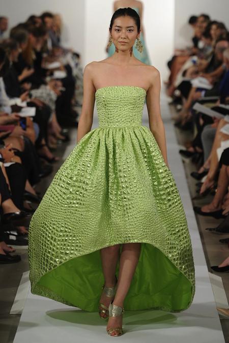 Người đẹp châu Á rạng ngời với thiết kế của Oscar de la Renta