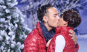 Thí sinh Next Top ôm hôn nhau dưới tuyết