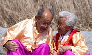 Phim về chuyện tình cặp vợ chồng già gây sốt ở Hàn Quốc