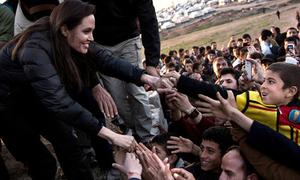 Angelina Jolie đến Iraq thăm nạn nhân chiến tranh và khủng bố
