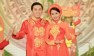 Lam Trường, Cẩm Ly diện áo dài đôi song ca