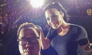Demi Lovato hát và selfie cùng 50.000 khán giả Việt
