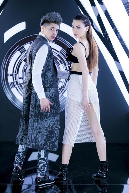Hà Hồ - Noo Phước Thịnh đầu tư trang phục cho MV