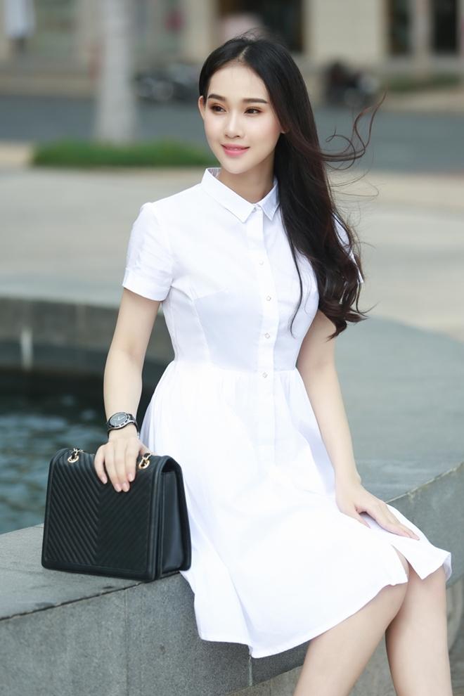 Nữ hoàng trang sức Thanh Trúc diện váy áo nữ tính