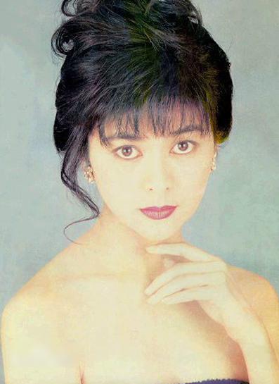 quan-chi-lam-nhan-sac-bieu-tuong-hong-kong-thap-nien-1990-8