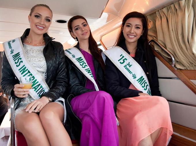 Thúy Vân cùng Top 5 Hoa hậu Quốc tế du lịch Nhật Bản