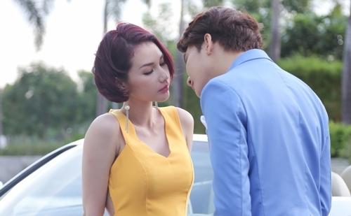 Quỳnh Chi đóng cảnh hôn trong phim khá tự nhiên.