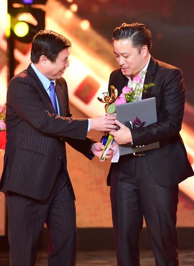 Victor Vũ đoạt giải