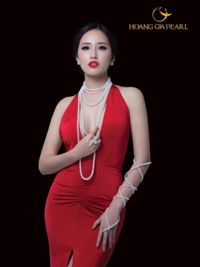 mai-phuong-thuy-bien-hoa-cungchuoi-ngoc-trai