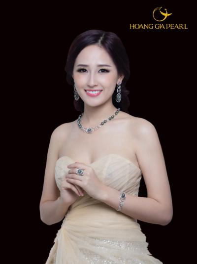 mai-phuong-thuy-bien-hoa-cungchuoi-ngoc-trai-1