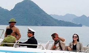 Angelina Jolie và Brad Pitt đi nghỉ ngắn ngủi ở Việt Nam