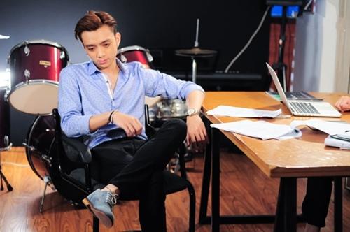 Soobin, thí sinh The Remix 2016 vào vai một chàng ca sĩ bị quản lý ăn chặn công sức.