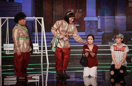 Từ trái qua: Hiếu Hiền, Đại Nghĩa, Ốc Thanh Vân và Ngọc Lan trong cảnh diễn