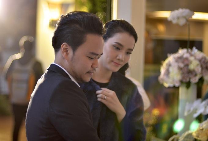 Vợ chồng Trang Nhung tất bật chuẩn bị trước giờ cưới