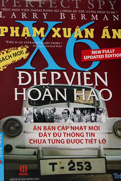 Bìa cuốn sách về tướng tình báo Phạm Xuân Ẩn.