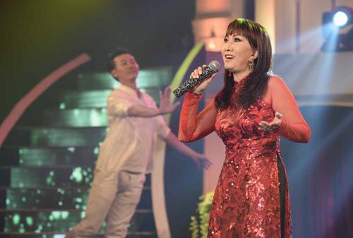 phuong-hong-ngoc-gap-khan-gia-que-huong-sau-30-nam