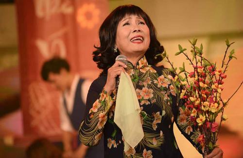 phuong-hong-ngoc-gap-khan-gia-que-huong-sau-30-nam-2