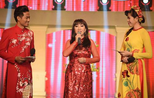 phuong-hong-ngoc-gap-khan-gia-que-huong-sau-30-nam-1