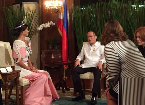 hoa-hau-hoan-vu-2015-gap-tong-thong-philippines-1