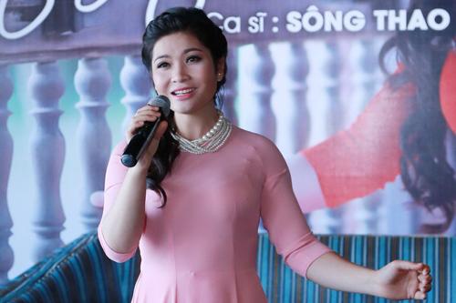 tan-nhan-khen-hoc-tro-trong-album-moi-1