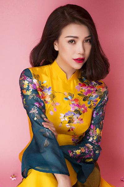 Photo: Lê THiện Viễn Makeup: BẢo Bảo Stylist: Đỗ Long Áo dài: Liên Hương