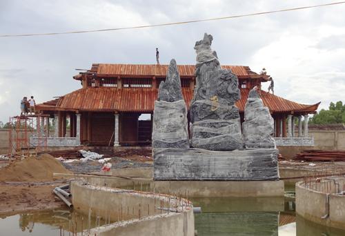 Công trình đền thờ tổ do Hoài Linh bỏ tiền túi xây dựng và đưa ra ý tưởng thiết kế. Ảnh: D.C.