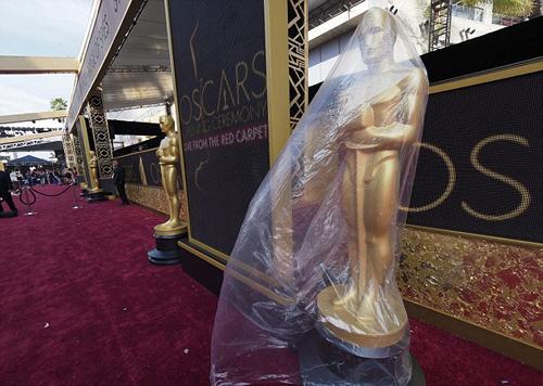 sao-hollywood-ban-ron-tong-duyet-oscar-2016-10