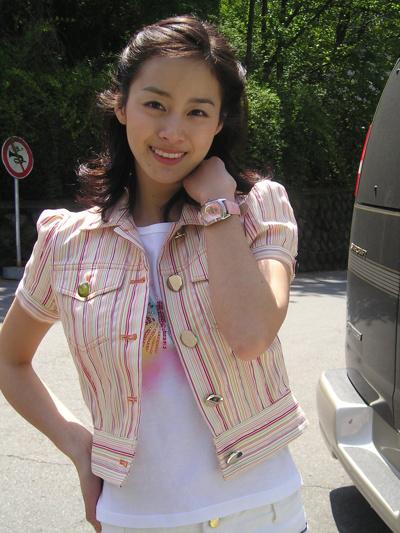 nhan-sac-khi-khong-son-phan-cua-kim-tae-hee-2