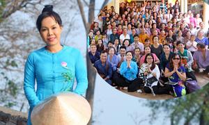 Việt Hương đi lễ chùa cùng 300 Phật tử