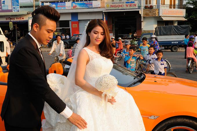 Khoảnh khắc đáng yêu tại lễ cưới Kha Ly, Thanh Duy ở quê