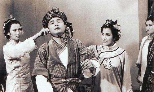 Đóng Vi Tiểu Bảo lúc mới 22 tuổi song Lương Triều Vỹ nhận được đánh giá cao. Kim Dung khen ngợi đây là tài tử diễn xuất thần nhất nhân vật của ông.