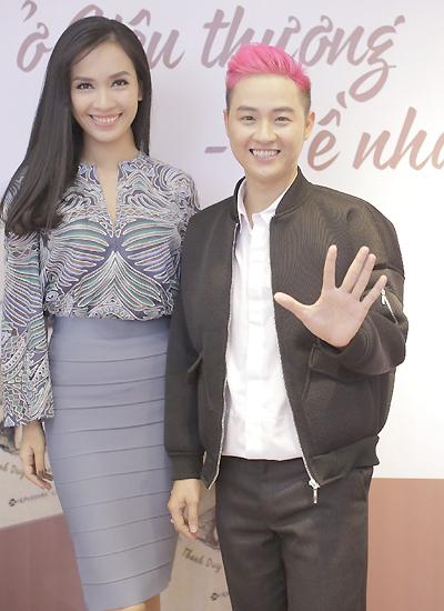 Ca sĩ Thanh Duy và ca sĩ - nhạc sĩ Ái Phương là bạn bè thân thiết.