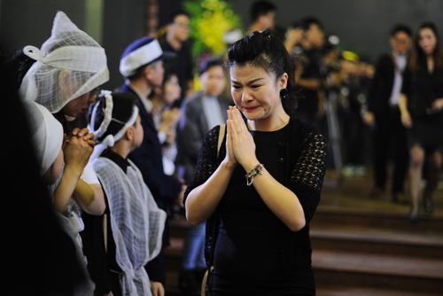Diễn viên Kim Oanh bật khóc trong đám tang vì thương xót Trần Lập.