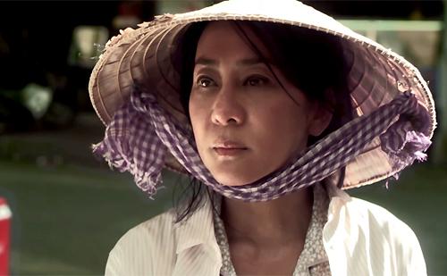 MC Nguyễn Cao Kỳ Duyên trong tạo hình nhân vật người phụ nữ tảo tần trên phim.