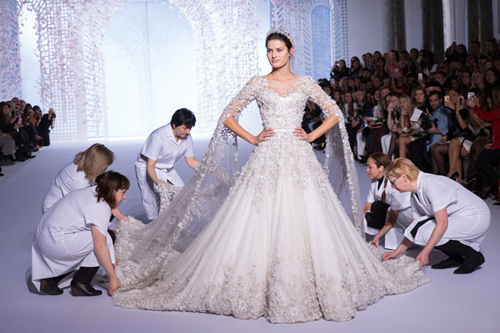 the-gioi-vay-cuoi-haute-couture-hang-tram-nghin-usd-1