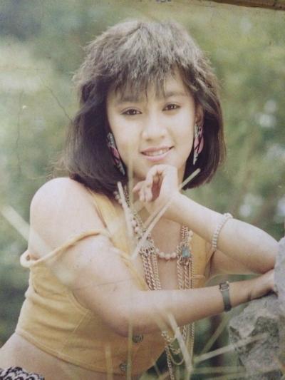 nhan-sac-y-phung-qua-thoi-gian-4