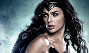 10 nữ siêu anh hùng trong truyện tranh DC và Marvel