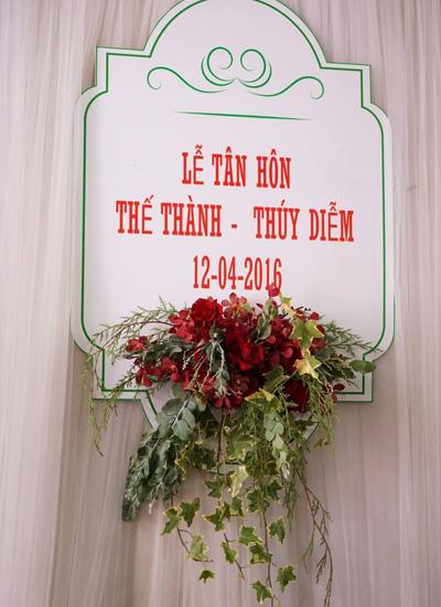 thuy-diem-mac-vay-cong-chua-trong-le-cuoi-o-que-8